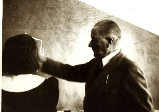 http://www.okuloncesietkinlikzamani.com/wp-content/uploads/2016/11/Atatürk-1.jpg